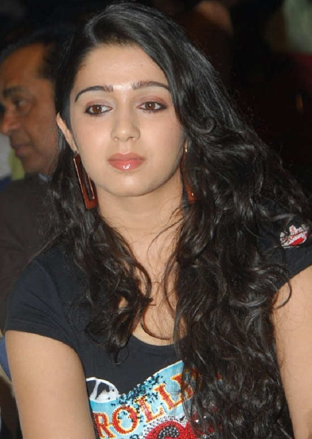 http://www.thecinebay.com/public/media/tinyimages/Charmi_Kaur_Cute_Stills.jpg